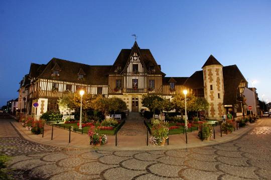 Annecy une venise en haute savoie petit voyage balade en pays savoyard - Deauville office de tourisme ...